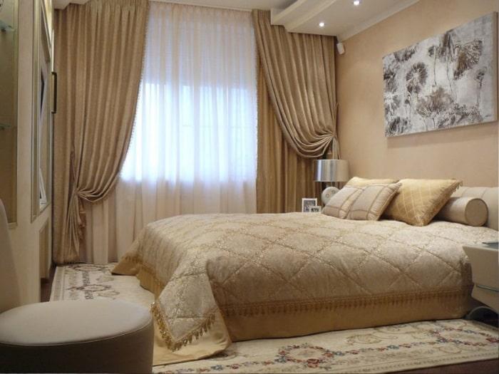 Шторы в коричневых тонах для спальни