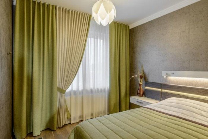 Оливковые шторы в спальню