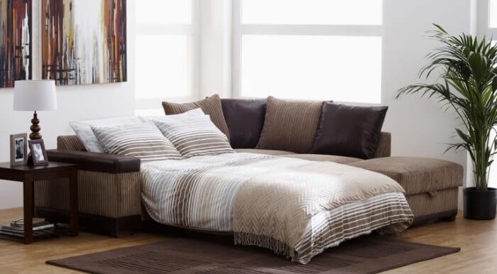 Складной диван для спальни.